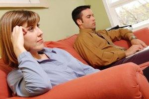 همسرم در حضور من فیلمهای مستهجن تماشا می کند