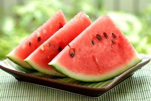 هندوانه شیرین را با این ترفند تشخیص دهید