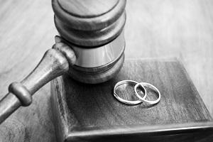 دادخواست طلاق، مجری معروف را به دادگاه کشاند