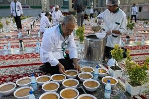 بزرگترین سفره افطار جهان در حرم امام رضا+ عکس