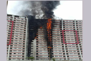 تصویری از آتش سوزی مهیب برجهای اقامتی در انزلی