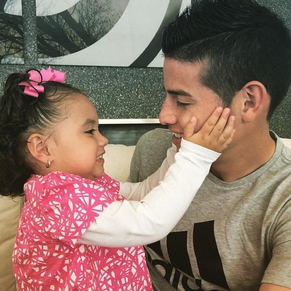 جیمز رودریگز و دخترش