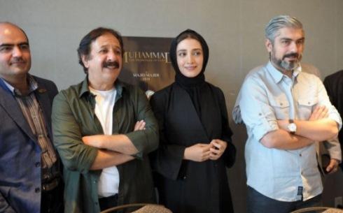 عکس مینا ساداتی و مجید مجیدی و مهدی پاکدل در نشست خبری