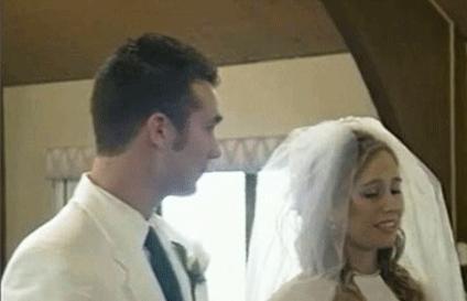 عروس در حال از دست دادن هوشیاری اش