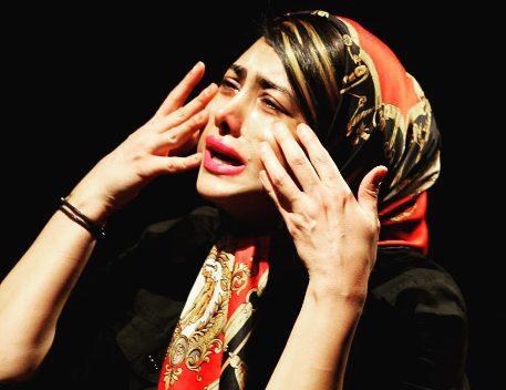 گریه کردن آزاده صمدی در نمایش
