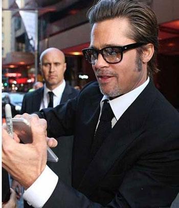 برد پیت Brad Pitt روی فرش قرمز