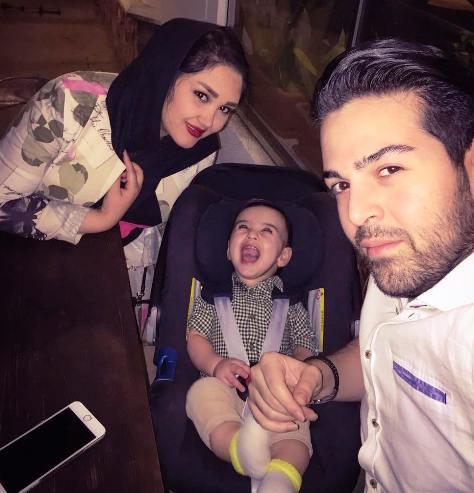 عکس جدید عماد طالب زاده و همسر و فرزندش