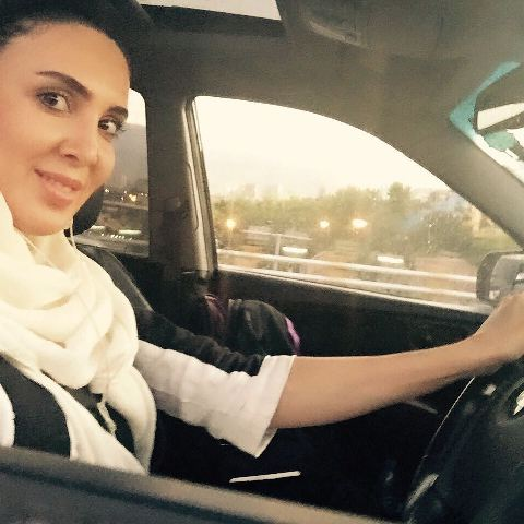 سوژه شدن فرمان اتومبیل لیلا بلوکات !!! + عکس