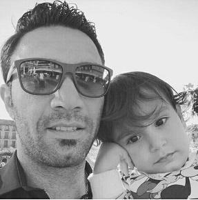 عکس جواد نکونام و پسرش