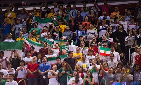تماشاگران ایرانی والیبال ایران و آمریکا