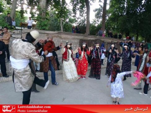 رقص مختلط زنان و مردان