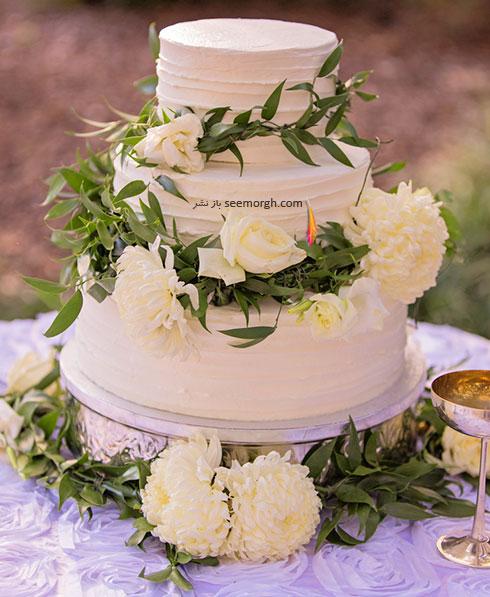 مدل های تزیین کیک عروسی با گل های طبیعی