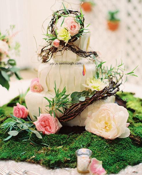 مدل های مختلف تزیین کیک های عروسی با گل های طبیعی