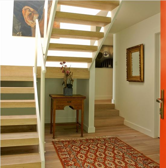 فرش هایی کوچک تر از فضای داخلی اتاق