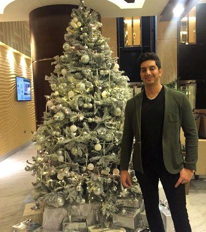 فرزاد فرزین و تبریک کریسمس به تمام طرفدارانش