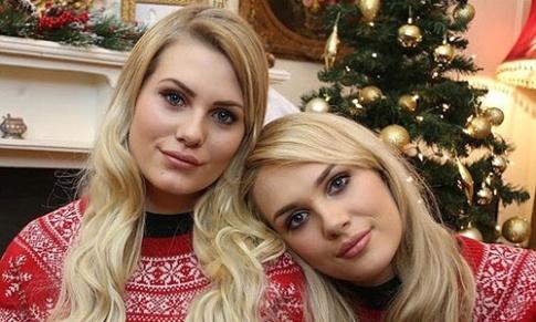 شباهت عجیب دو دختر به یکدیگر
