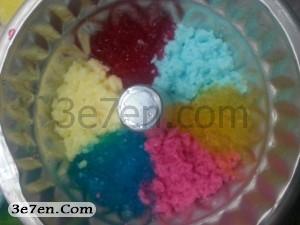 مرحله دوم درست کردن ژله رنگین کمانی سه سوته