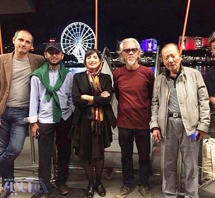 عکس نگار جواهریان در کنار داوران جشنواره آسیاپاسیفیک