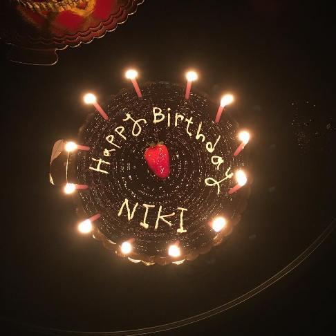 کیک تولد نیکی کریمی