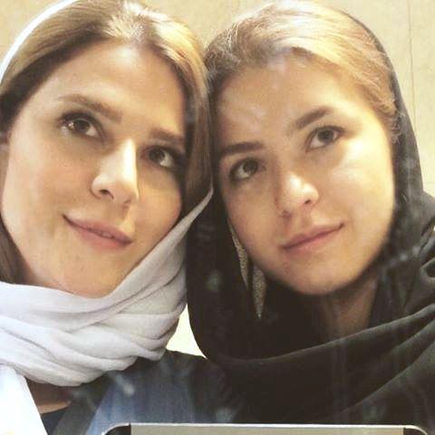 عکس سحر دولتشاهی و خواهرش.jpg
