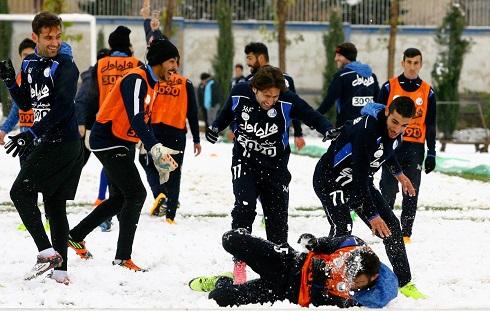 عکس برف بازی استقلالیها