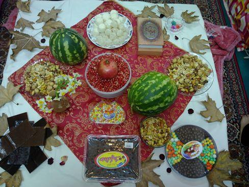 سفره آرایی شب یلدا - تزیین شماره 1 سنتی شب یلدا