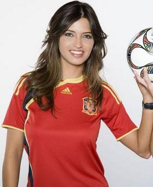 عکس زیباترین خبرنگار زن ورزشی