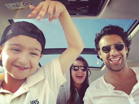 عکس سلفی فرهاد مجیدی به همراه دختر و پسرش