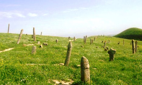 سنگ قبرهای عجیب در ایران 2