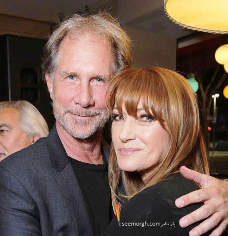 عکس جین سیمور در کنار یکی از عوامل فیلم