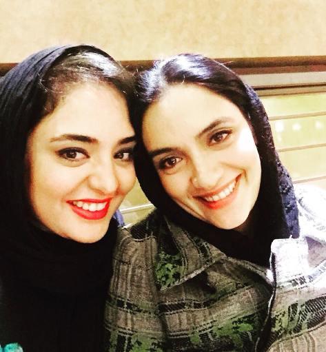 عکس یادگاری میترا حجار و نرگس محمدی