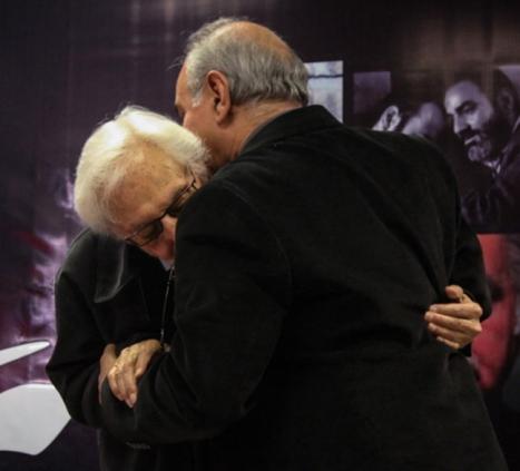 پرویز پرستویی در آغوش جمشید مشایخی