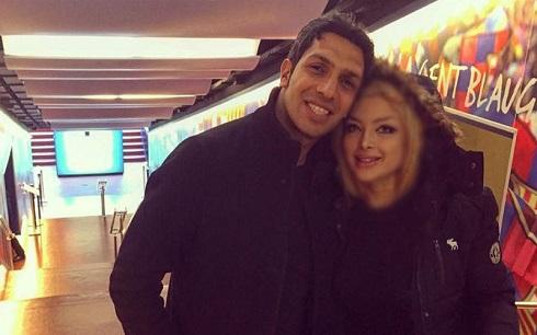 عکس سپهر حیدری و همسرش در بازی بارسلونا