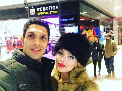 عکس سپهر حیدری و همسرش در اسپانیا