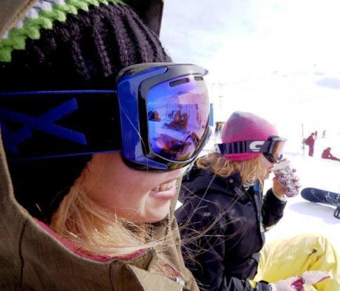 پوشش زنان و دختران در پیست اسکی 2