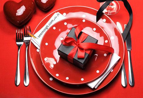 تزیین میز ناهارخوری با قلب های قرمز برای کسانی که دوست شان دارید - مدل شماره 4