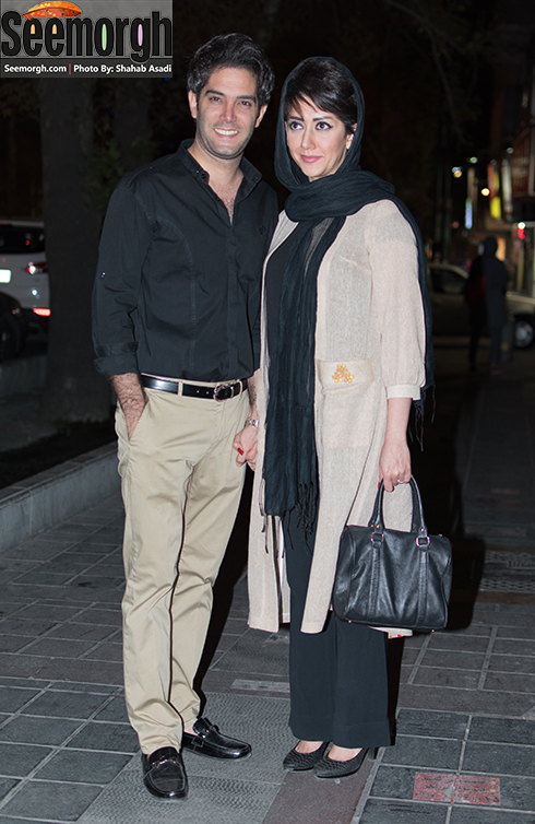 امیرعلی نبویان و همسرش درحال ورود به سینما فرهنگ