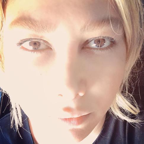 آنا نعمتی بدون آرایش