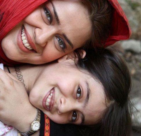 بهاره رهنما و دخترش پریا در سالهای گذشته