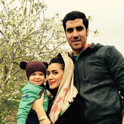 عکس شهرام محمود، همسرش و آرسام محمودی