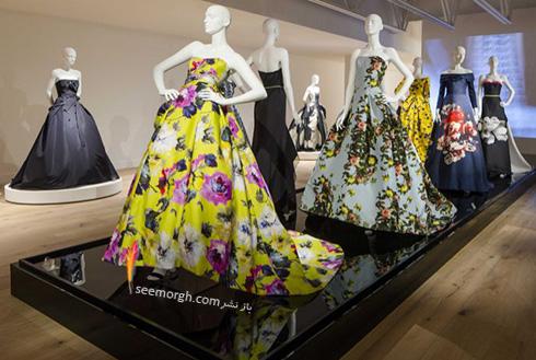 لباسی از طراحی های کارولینا هررا Carolina Herrera متعلق به اولین نمایش مجموعه در سال 81