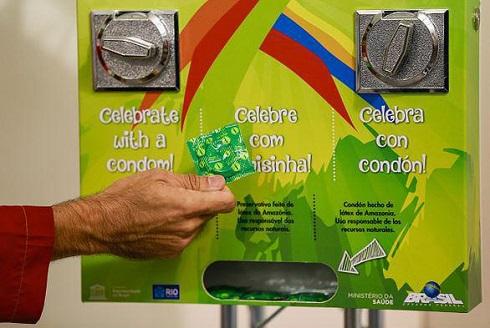 عکس توزیع کاندوم در المپیک 2016