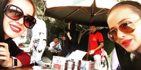 الناز حبیبی و خواهرزاده اش
