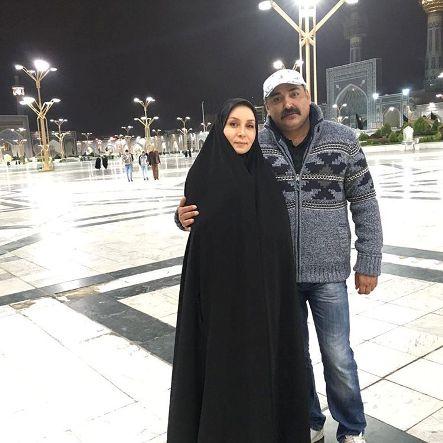حدیث فولادوند با چادر به همراه همسرش در مشهد مقدس
