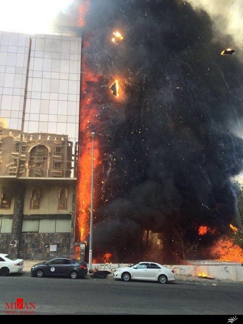 یک هتل چند طبقه در مکه مکرمه امروز یکشنبه طعمه حریق شد