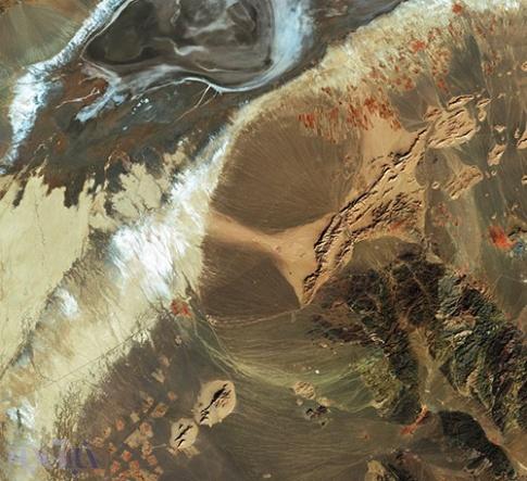 نقاشی ایرانی از فضا!