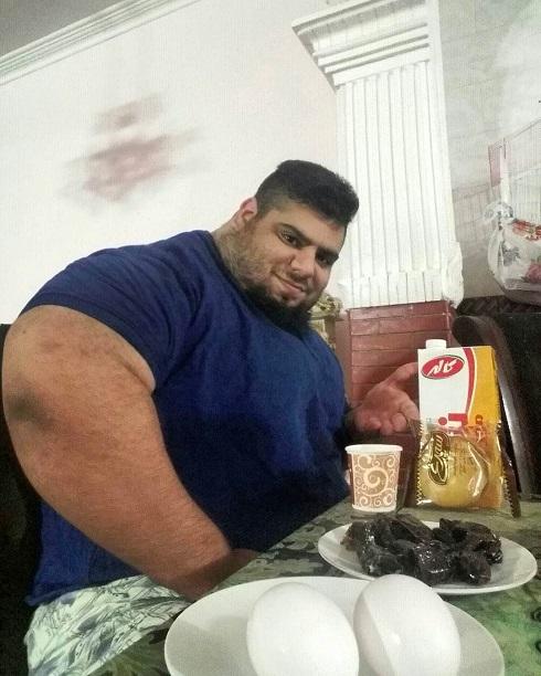 تصویری که سجاد غریبی از افطاری اش منتشر کرده