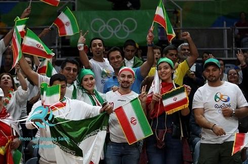 عکس تماشاگران ایرانی والیبال در المپیک 2016