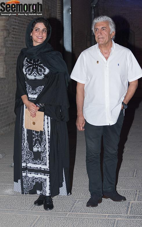 رضا کیانیان در کنار غزل شاکری در جشن خانه سینما