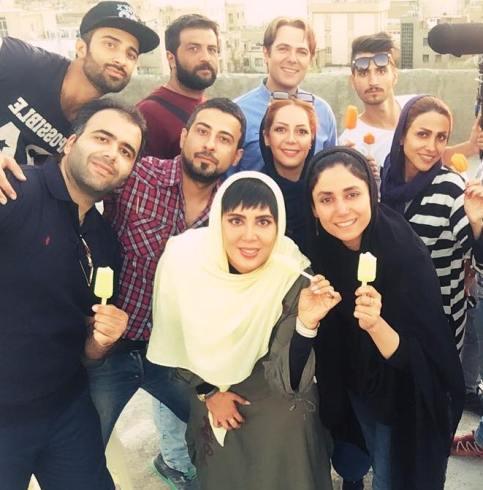لیلا بلوکات با عوامل فیلم نفس های آرام